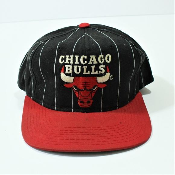 ... CHICAGO BULLS SnapBack Pinstripe H. M 5bf4bc67f63eea6ffeee7faf 5df15701bc5c